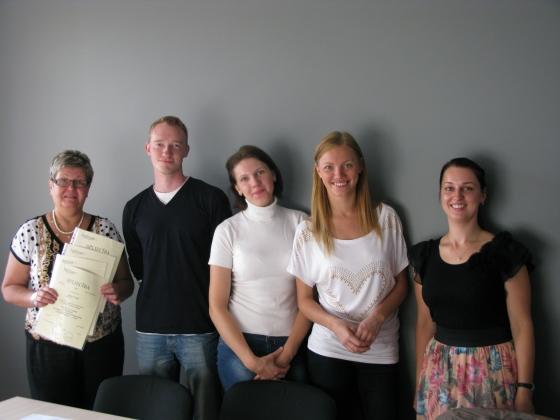 Izlaidums - 31.08.2013. - Krievu valodas grupiņa un pasniedzēja Inga arī iepozē! :)